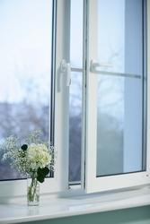 Металлопластиковые окна STEKO и входные бронированные двери,  жалюзи,  з