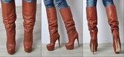 Новые женские стильные сапоги