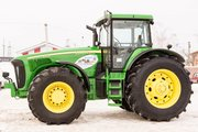 Колёсный трактор John Deere 8520