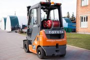Газовый погрузчик Toyota 02-8FGF18